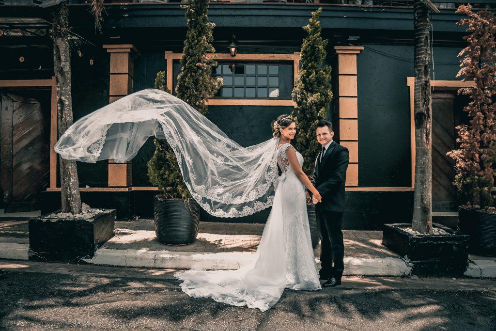 bride-bride-and-groom-couple-1779491